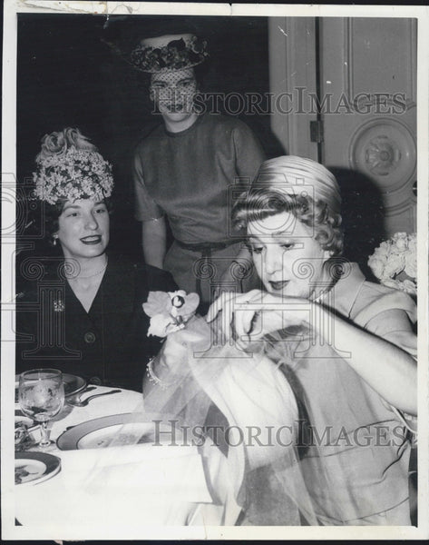 Press Photo Puci Fashion - Historic Images