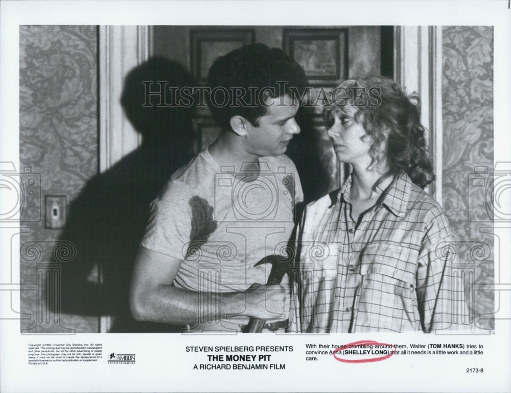 "1986 Press Photo Press Photo Long and Hanks in Spielberg's ""The Money Pit"" - Historic Images"