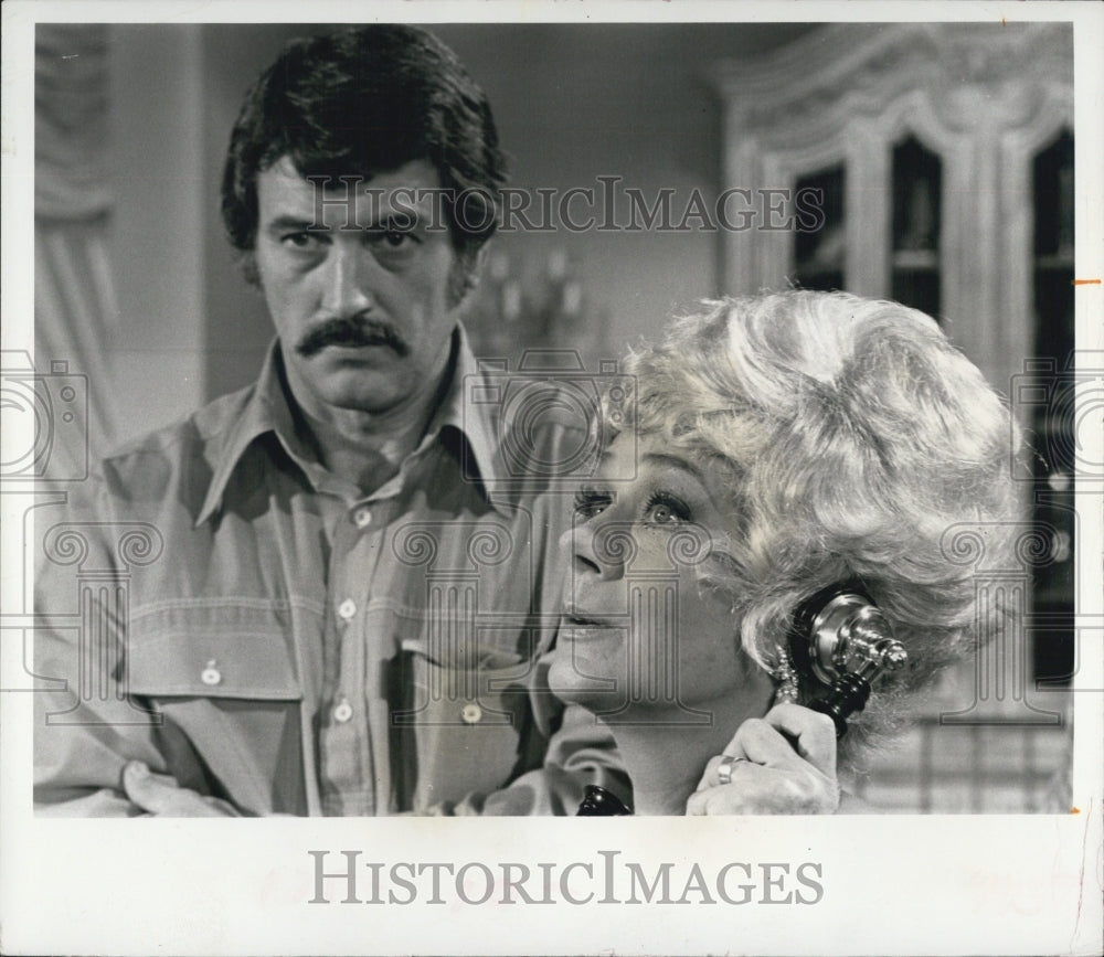 "Press Photo Rock Hudson and June Havoc in ""the Easy Sunday Murder Case"" - Historic Images"