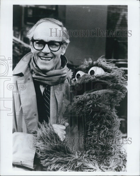 1979 Press Photo Henry Fonda Oscar the Grouch Sesame - Historic Images
