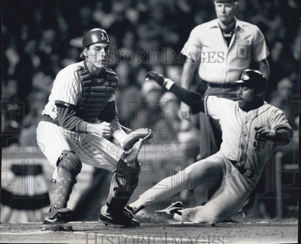 1989 Press Photo Kevin Mitchell scores first inning - Historic Images