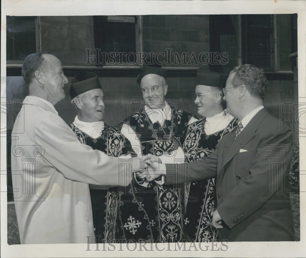 1954 Press Photo Very Rev COmerford J O'Malley With His Brothers Charles And - Historic Images