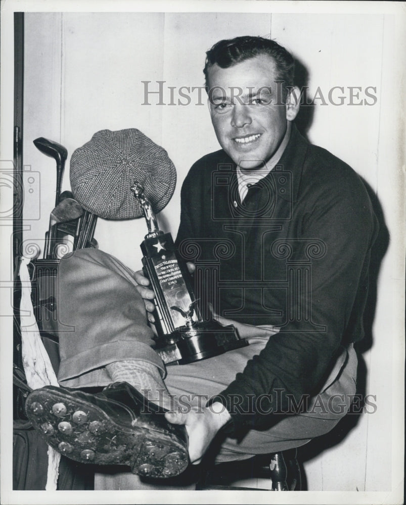 Press Photo Verne Stevens with Press Telegram Trophy for Baseball - Historic Images