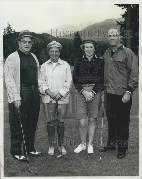 1979 Press Photo 31st Annual Toten Pole Golf Tourney,J B Hartwig and G A Leader - Historic Images