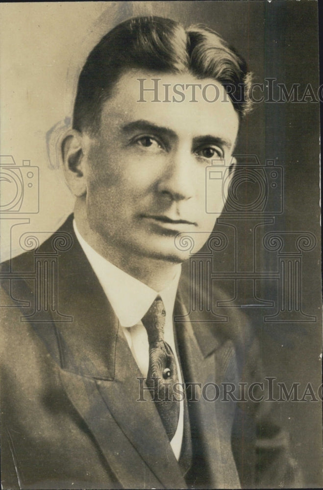 1930 Dr. Oswald W. McCall - Historic Images