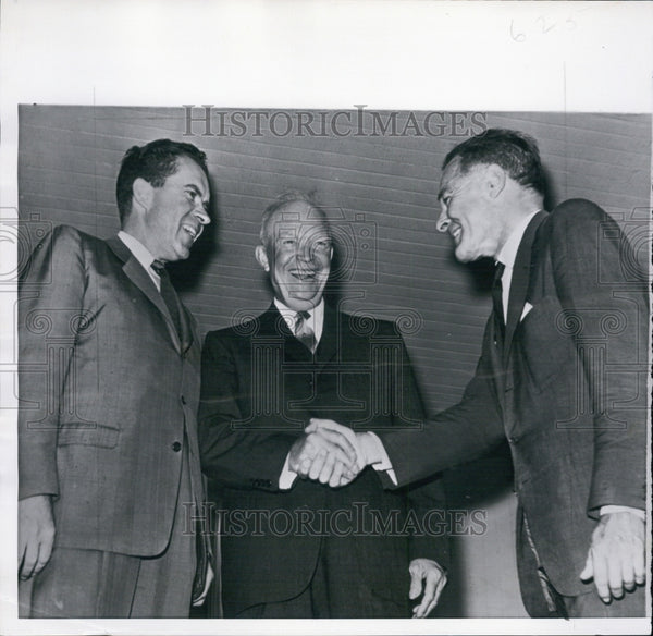 1960 Press Photo President Eisenhower greets Henry Cabot Lodge and Richard Nixon - Historic Images