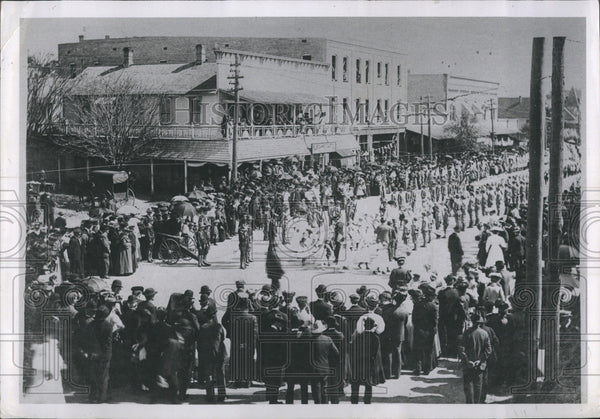 1902 Fair and Festival parade on Central Ave - Historic Images