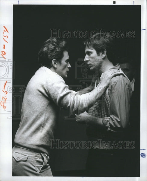 1976 Press Photo Actor Stephen McHattie & Actor Michael Brandon In James Dean - Historic Images