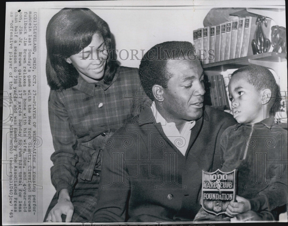 Jim Brown Family >> 1965 Press Photo Cleveland Browns Fullback Jim Brown Family