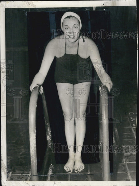 1935 Press Photo Eleanor Holm Swimmer Trains In Washington DC For Olympic Games - Historic Images