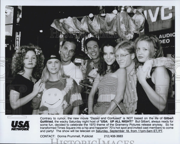 "Press Photo Gilbert Gottfriend and the cast of the series ""USA: Up All Night"" - Historic Images"