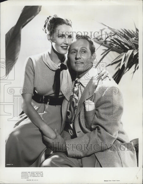 1950 Press Photo Actress Barbara Britton and Canadian Actor Art Linkletter. - Historic Images