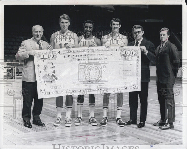 1970 Press Photo Red Auerbach, Don Nelson, Jo Jo White, John Havlicek, W. Erdman - Historic Images