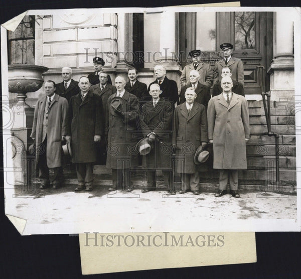 Press Photo Jury Members, Widen, Watson, Richmond, Meehan, With Police - Historic Images