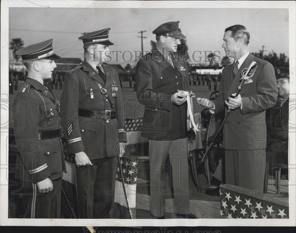 1944 Press Photo Joe Brown and Col. Ralph Snavely in CA Military Academy - Historic Images