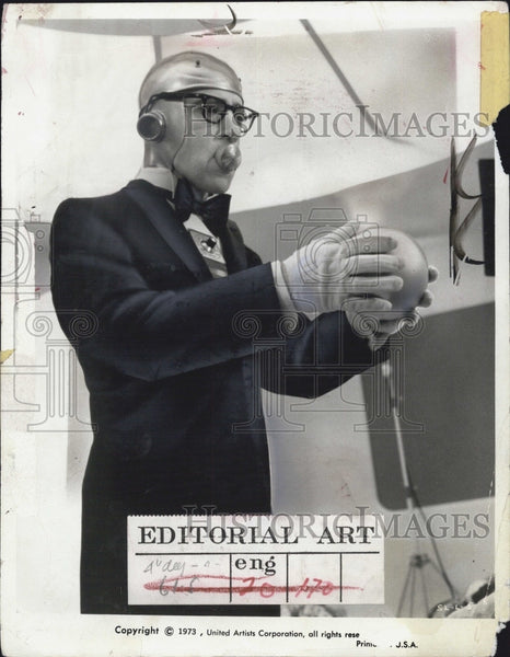 "1973 Press Photo Actor Woody Allen dressed up as ""Domesticon"". - Historic Images"
