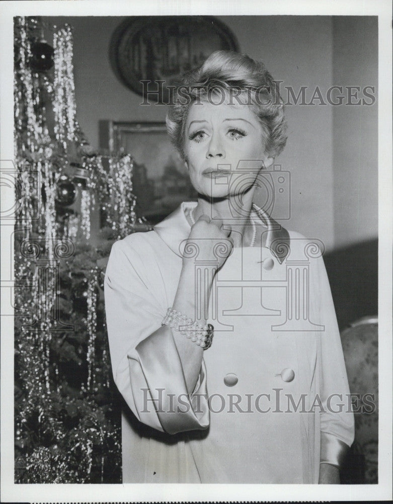 "1964 Press Photo Margaret Leighton in the series ""Ben Casey"" - Historic Images"