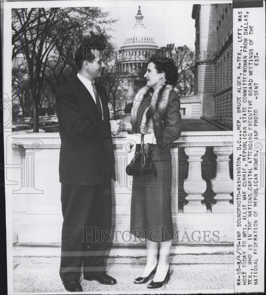 1955 Press Photo Rep  Bruce Alger Plays Host For Mrs  Allie Currie In  Washington