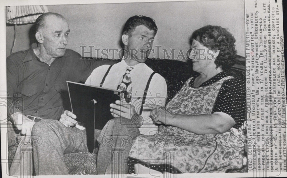 1949 Press Photo  JusticeRene DeMeerleer and his parents - Historic Images
