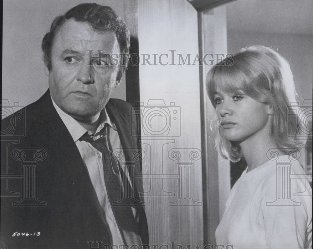 "1969 Press Photo Judy Geeson & Rod Steiger "" Into 2 Won't Go"" - Historic Images"