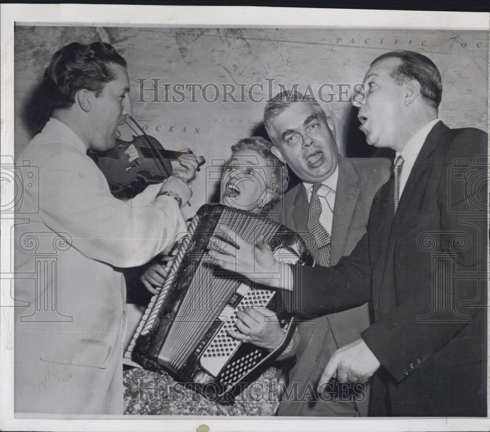 1958 Press Photo House Representative during recess with Quartet Band. - Historic Images