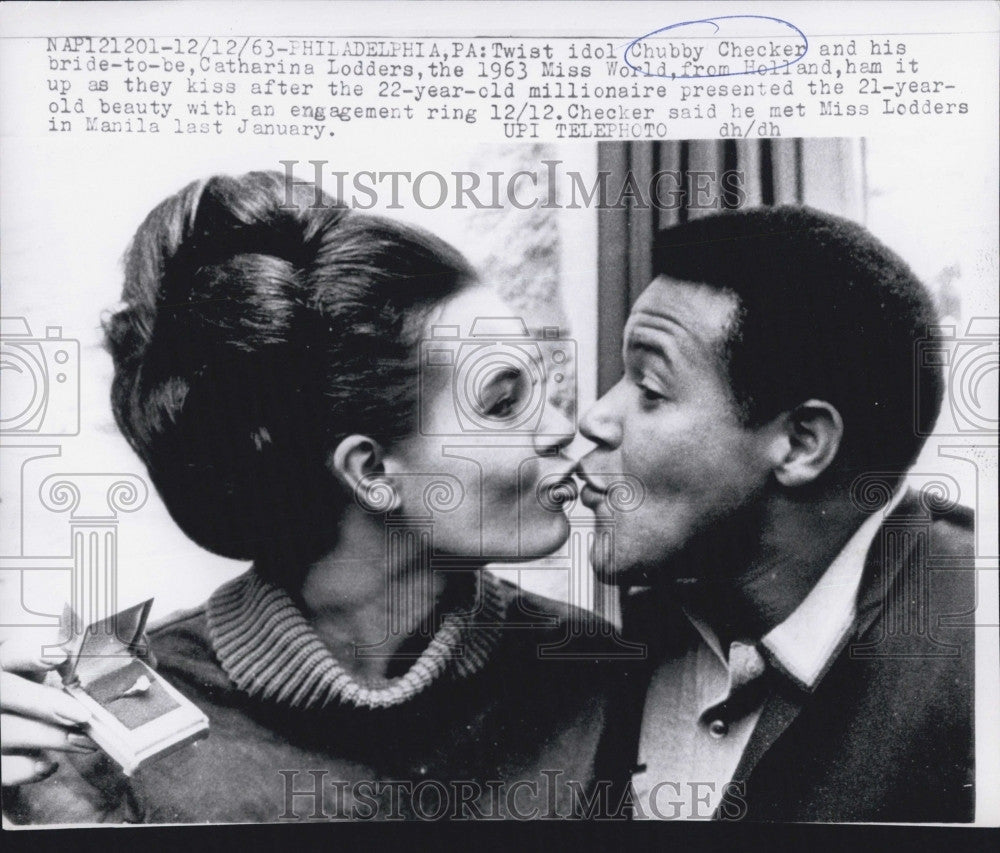 1963 Press Photo Twist Idol Chubby Checker And Wife Catherine Lodders-Miss World - Historic Images