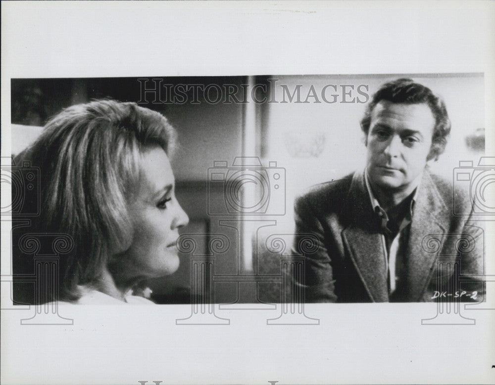 "1982 Press Photo Michael Caine & Angie Dickinson in ""Dressed to Kill"" - Historic Images"