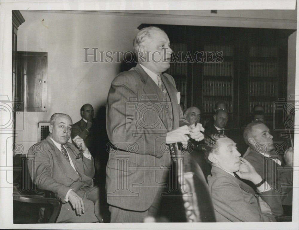 1946 Press Photo Harry Brumond President Bayview Apartment Project City Council - Historic Images