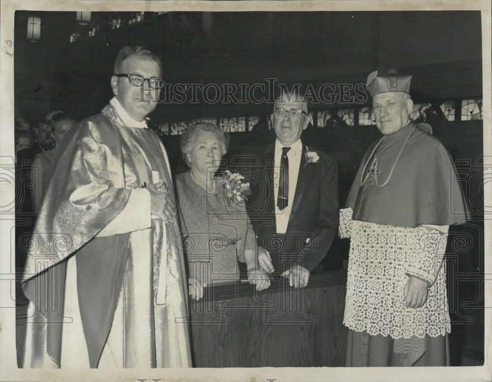 1967 Press Photo Msgr John J Grant with parents Mr and Mrs John Grant's 50th - Historic Images