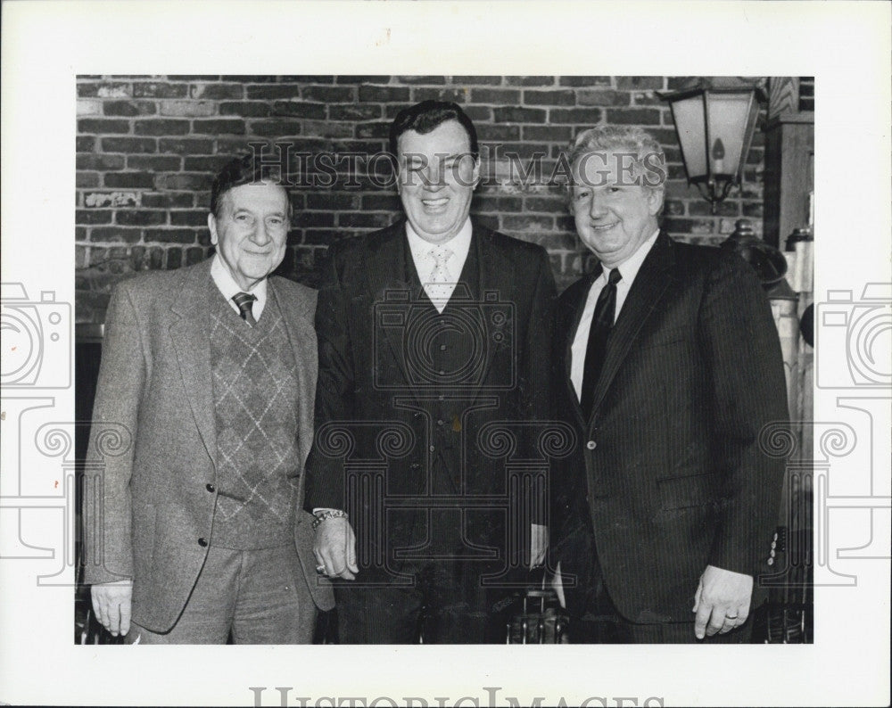 1984 Press Photo Dr Charles Brusch Honored At Retirement Luncheon - Historic Images