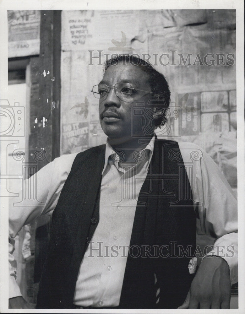 1976 Press Photo Paul Winfield Stars As Rev JA Delaine In With All Deliberate - Historic Images