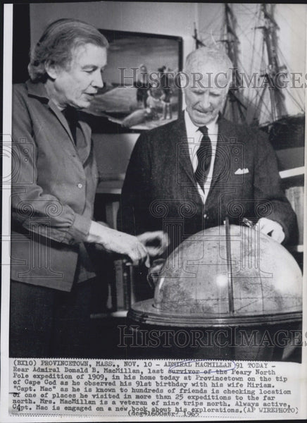 1965 Press Photo Rear Admiral Donald MacMillan with his wife Miriam - Historic Images
