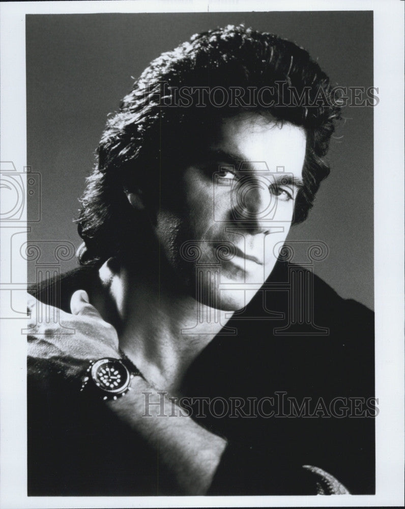 1988 Press Photo Actor Lou Ferrigno of The Avengers and Incredible Hulk Fame - Historic Images