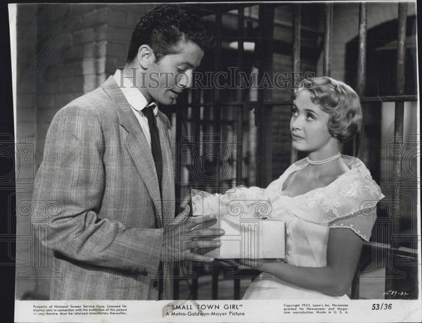 "1953 Press Photo Farley Granger and Jane Powell in ""Small Town Girl"" Actors Star - Historic Images"