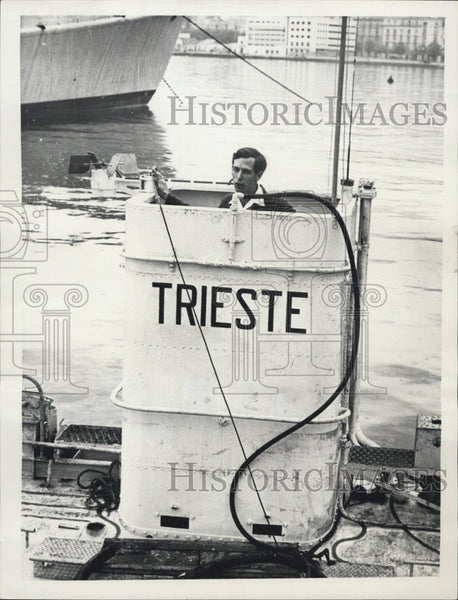 1954 Press Photo Swiss oceanographer and engineer Jacques Piccard - Historic Images