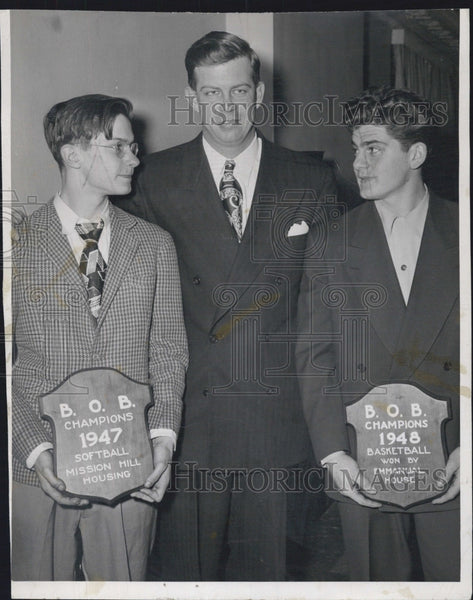 1949 Press Photo Art Valpey and Harvard basketballers - Historic Images