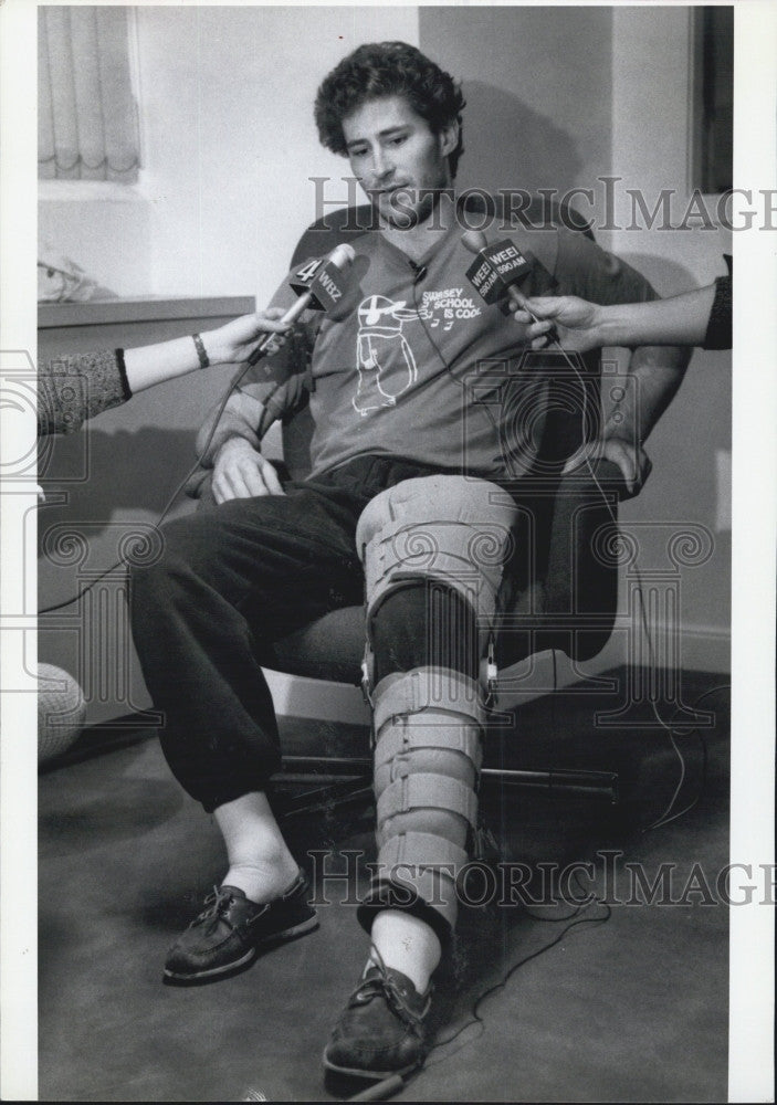 1990 Press Photo Bob Carpenter Boxing Star Interview - Historic Images