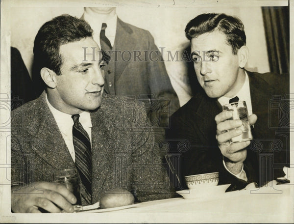 1941 Press Photo Football writers banquet, Al Morrow & George Radulski - Historic Images