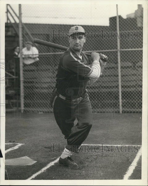 1939 Press Photo George Puccinelli of Senate Floral - Winby City Softball League - Historic Images