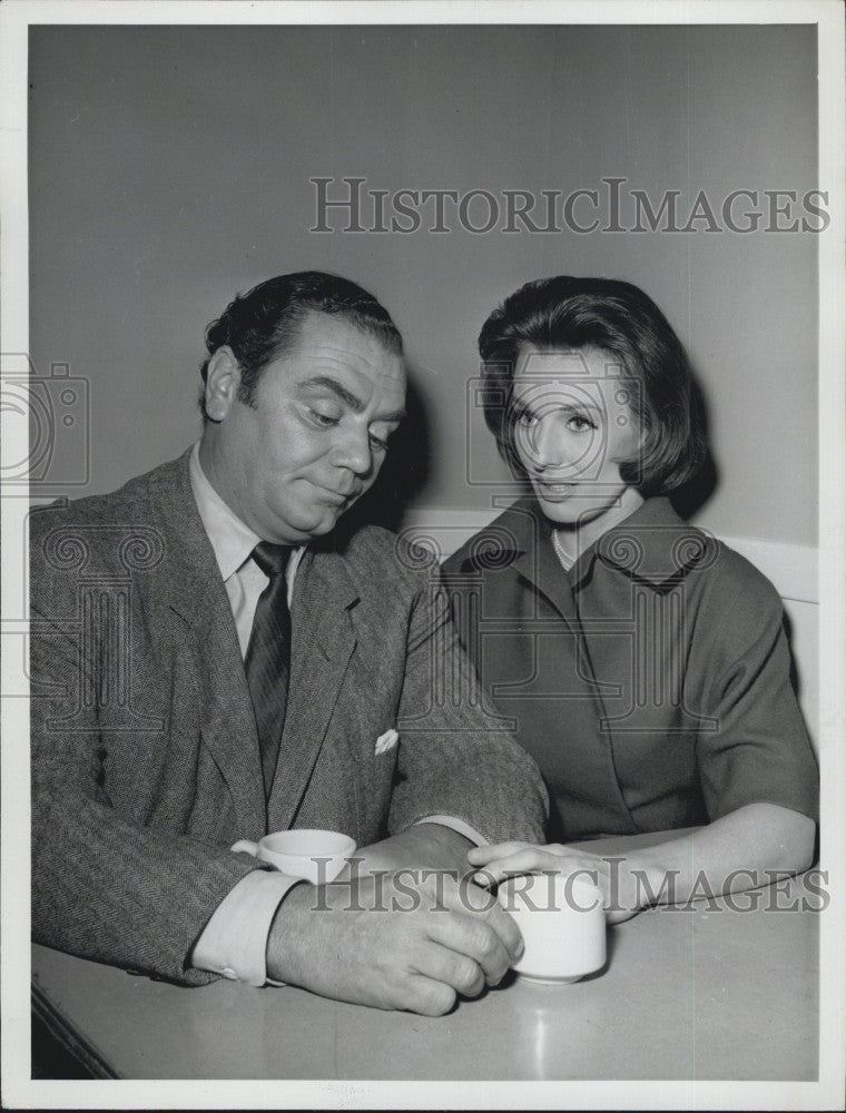 "1962 Press Photo Ernest Borgnine & C Leachman ""The Bar Mitzvah of  Maj Orlovsky"" - Historic Images"