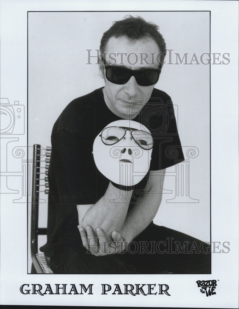2000 Press Photo Graham Parker British Singer Songwriter - Historic Images