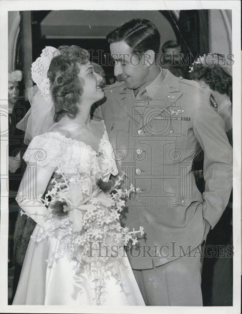 1944 Press Photo Mimi Chandler Major Cabell Wed Beverly Hills Actor - Historic Images