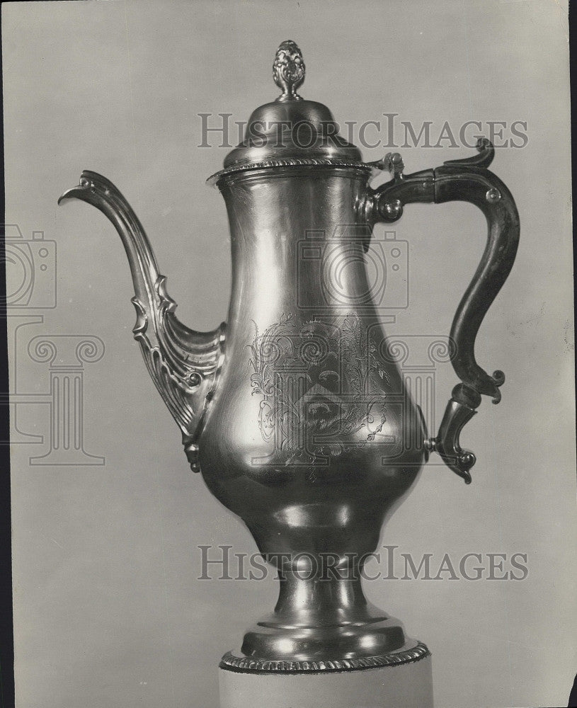 1931 Press Photo Paul Revere Coffee Pot Mrs Nathaniel Thayer - Historic Images