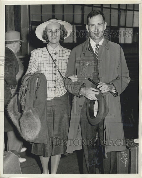 1939 Press Photo Paul C. Reardon and Wife After Vacation to Bermuda - Historic Images