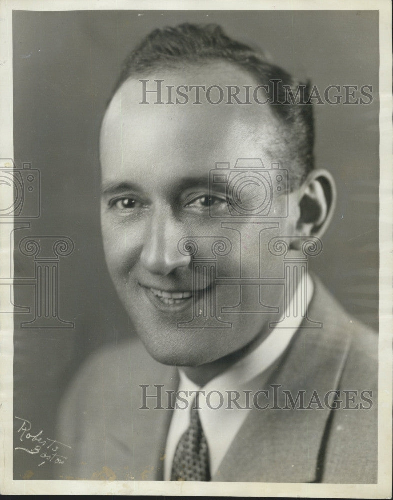 1934 Press Photo Charles R Hector, leader of the house orchestra at the Orpheum - Historic Images