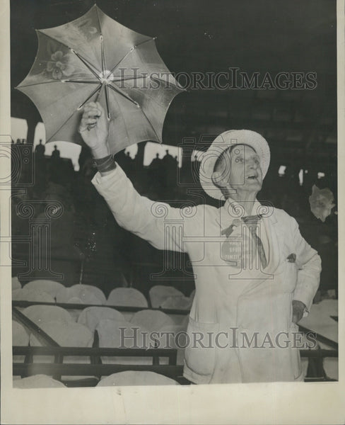 1949 Press Photo Cardinals fan Harry S Those at Cardinals Game - Historic Images