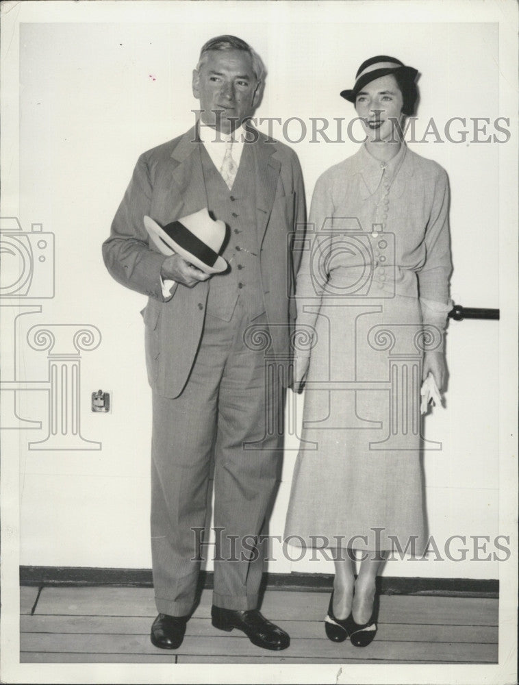 1935 Press Photo Governor James M. Curley, Mrs. Edward C. Donnelly - Historic Images