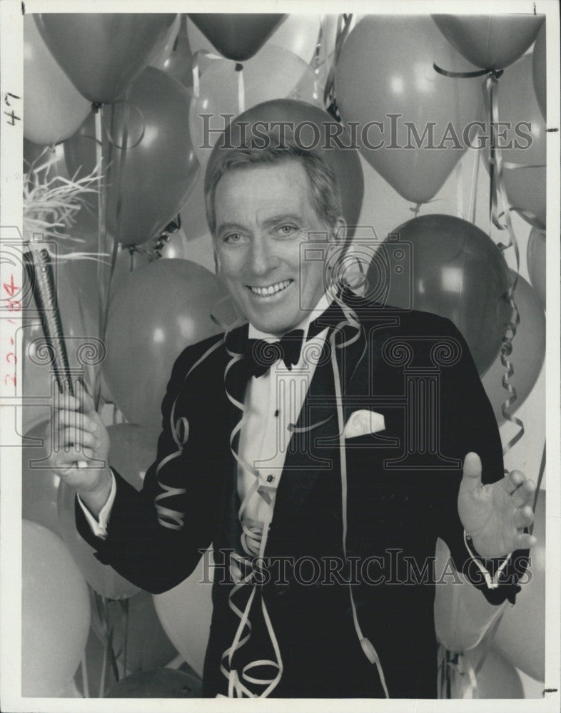 "1983 Press Photo Singer/Entertainer Andy Williams Hosts ""Happy New Year America"" - Historic Images"