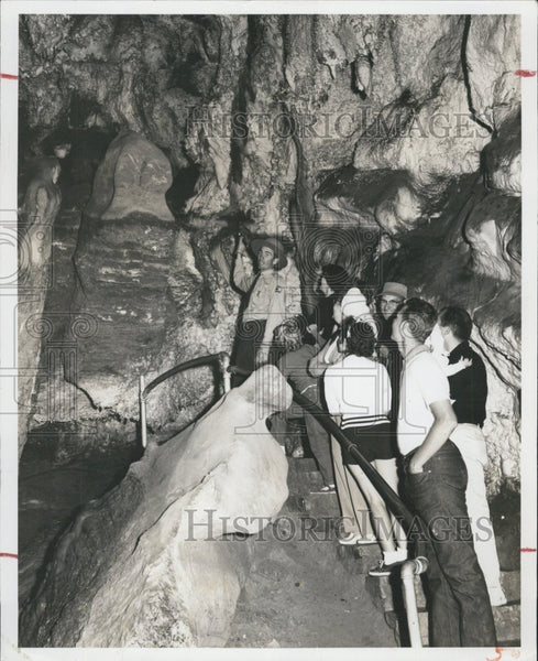 Press Photo Timpanogos Cave, Utah nature walk in a cave - Historic Images
