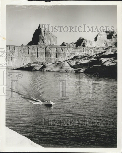 1963 Press Photo Boat on lake in the mountains of Utah - Historic Images